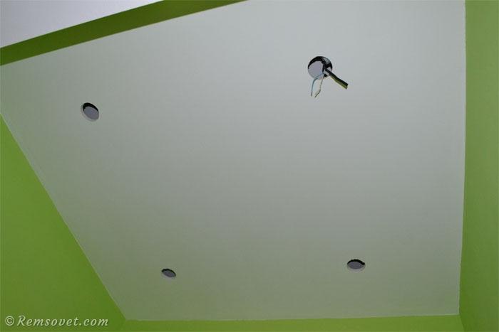 Отверстия под светильники в потолке из ГКЛ