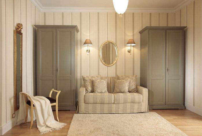 Правильно подбранная мебель позволяет визуально увеличить высоту потолка