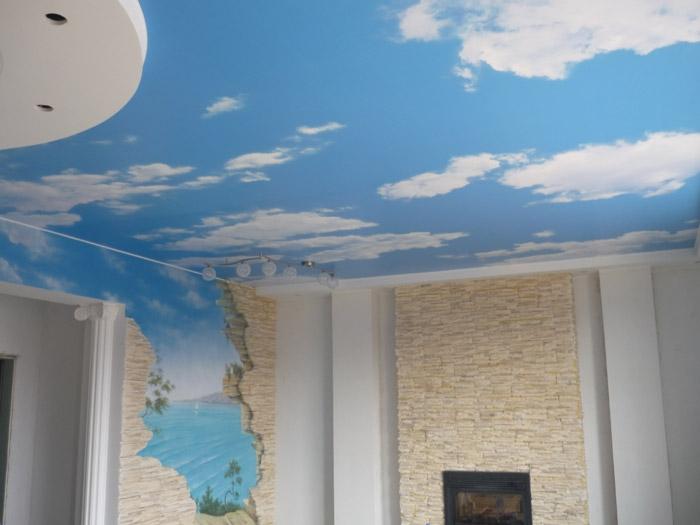 Потолок в виде неба, визуальное увеличение высоты потолка