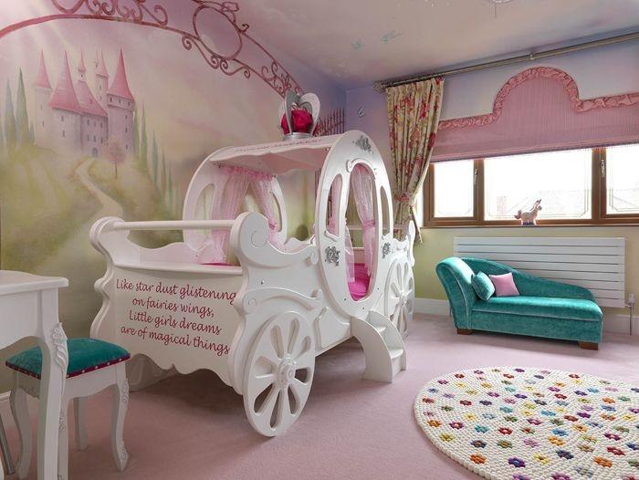 Дизайн интерьера комнаты для девочки с каретой