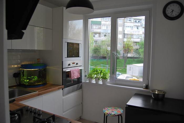 Фото планировки маленькой кухни в хрущёвке