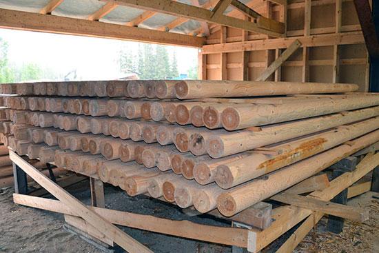 Обработка дома из оцилиндрованного бревна защитными составами
