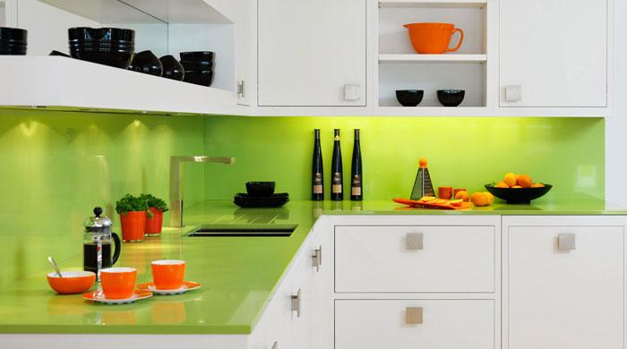 Использование нежного зелёного цвета в интерьере кухни