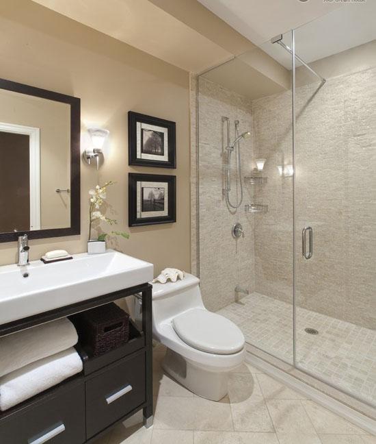Ванная комната в современном стиле, большая душевая кабинка вместо ванны