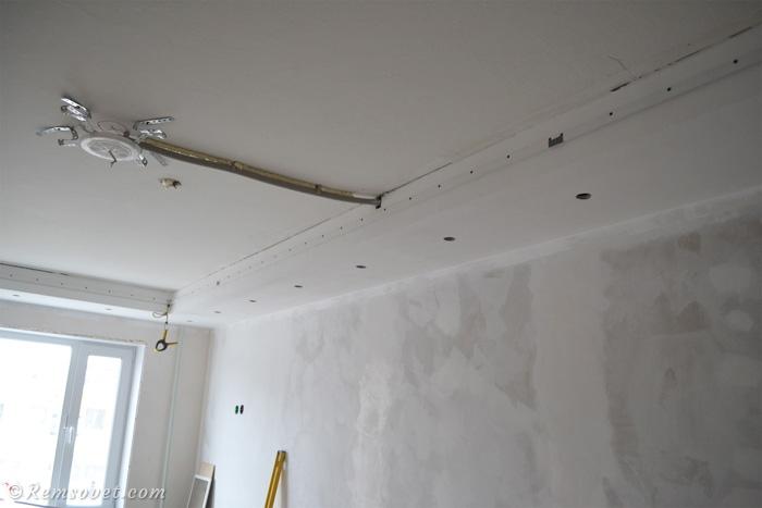 Монтаж закладной под люстру, установка натяжного потолка своими руками