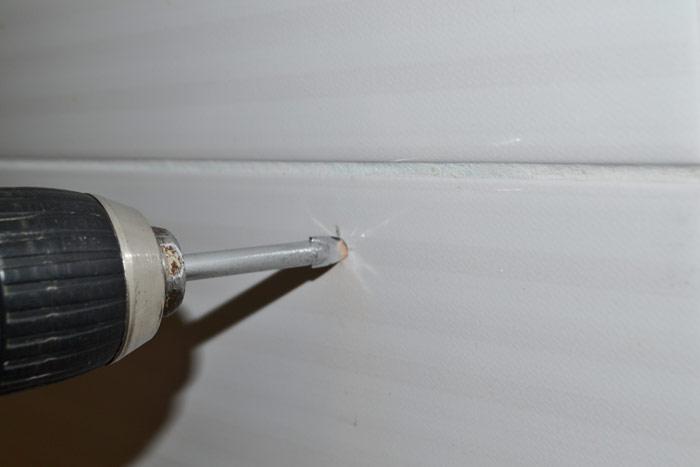 Сверло для плитки в шуруповёрте, сверление отверстия в плитке