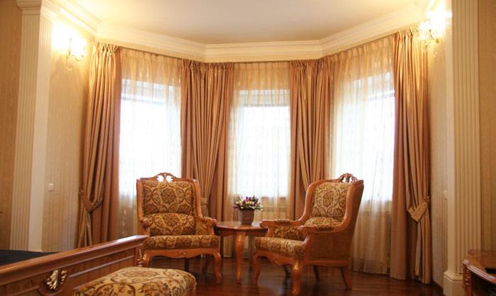 Классические шторы пастельных тонов