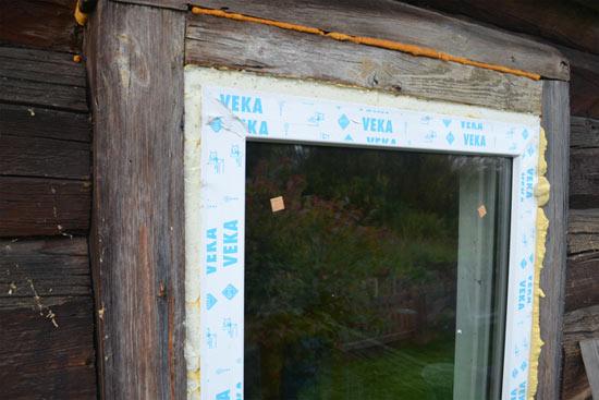 Установка пластиковых окон в старом деревенском доме