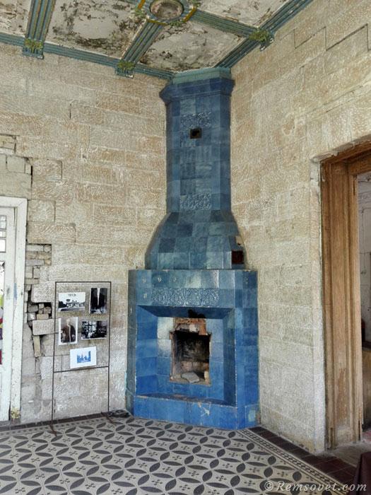 Фото камина, старинный камин